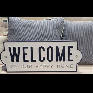 NWOT  METAL WELCOME SIGN